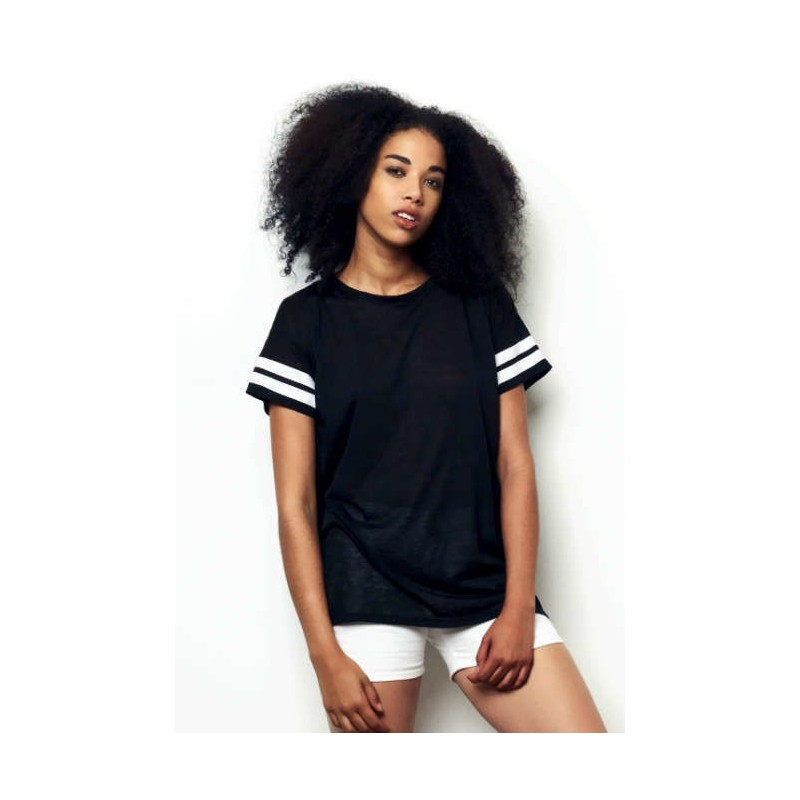 Camiseta Negra con rayas blancas