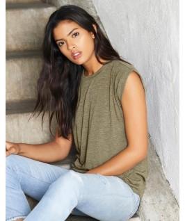 Camiseta mujer mangas enrolladas de Bella + Canvas verde aceituna
