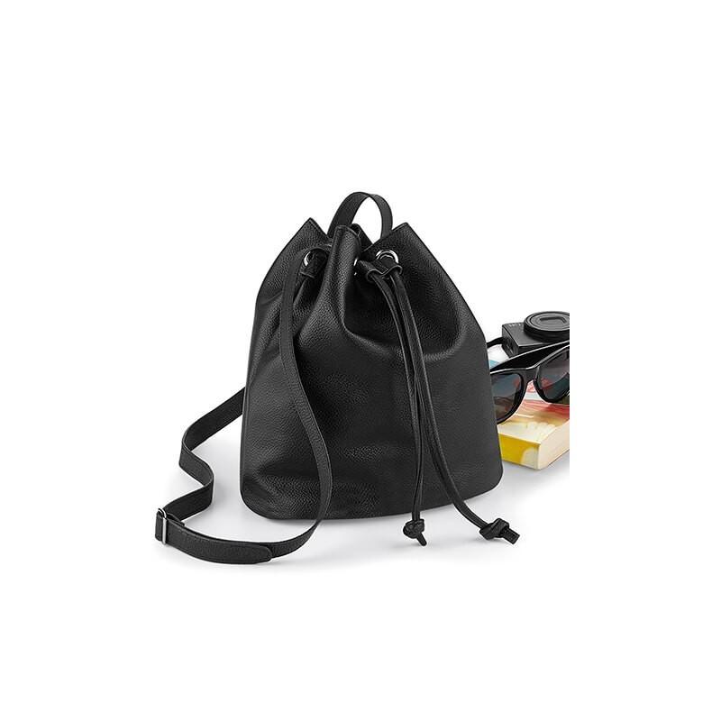 bolsa apriencia cuero negro