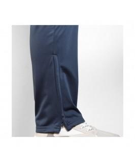 Detalle cremallera parte baja pantalón