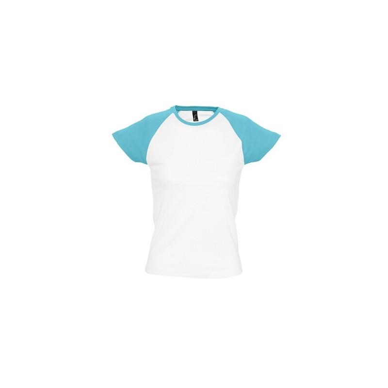 Camiseta blanca con turquesa