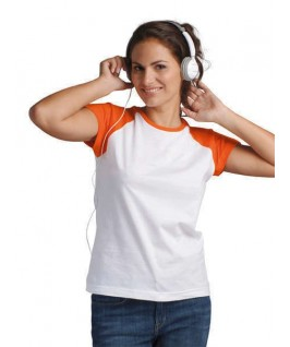 Camiseta blanca con naranja